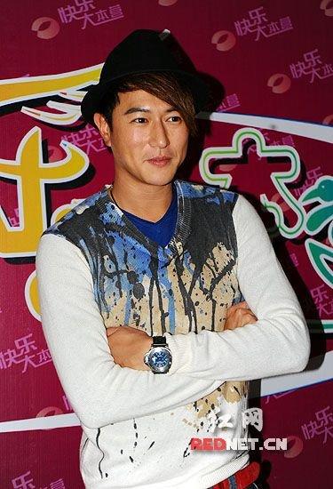 陈键锋坚称与Y男星没关系 离开TVB原因非片酬