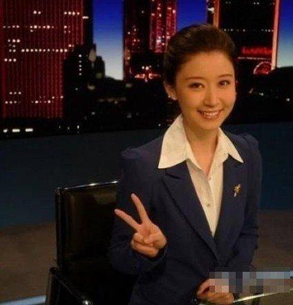 """央视再传最美""""实习主播"""" 大四生被赞小刘亦菲"""