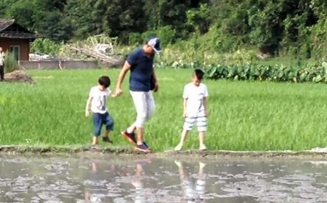 《爸爸3》刘烨缺席录制 胡军帮忙带儿子诺一