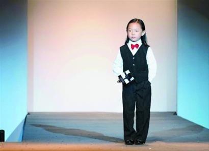 """""""达人""""选手国庆忙 张志林签下音乐达人钟辰乐"""