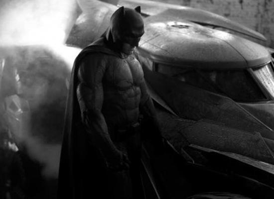 《蝙蝠侠大战超人》开拍 定名《正义曙光》