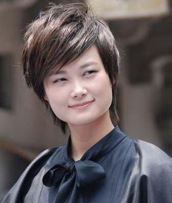 网友炮制十大伪歌手名单 李宇春曾轶可名列前茅
