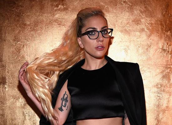 不止超级碗中场秀 Gaga还将举办潜水酒吧演出
