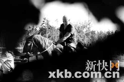 莫少聪京郊秘密骑马练功 低调接演动作新片