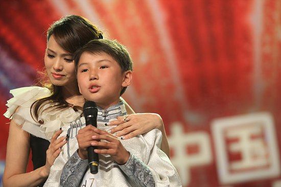 资料:《中国达人秀》第二季六强选手—乌达木