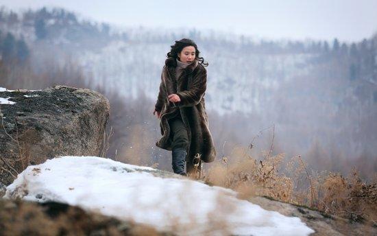 小宋佳《悬崖》刚柔并济 成谍战剧女性形象模版