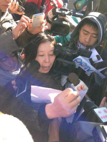 李在珂谈同案犯律师周某:行为不当被请出法庭