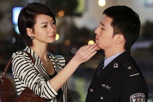 《高手如林》剧情热辣火爆 戚薇当街调戏邱泽