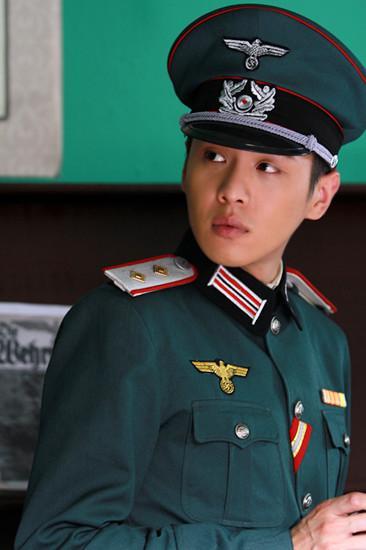 张若昀《新雪豹》热播 周卫国领军国民硬汉
