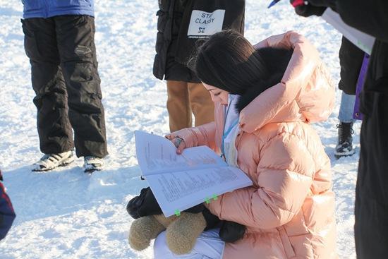 李溪芮《东山晴后雪》零下15度拍戏 滑雪超酷炫