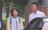 郑爽和高曙光拍戏演父女 穿棒球衫青春无敌