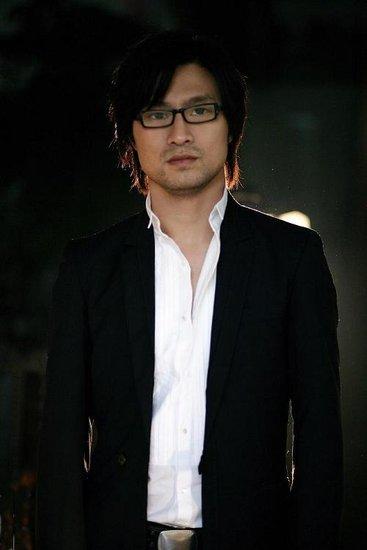 汪峰2011成都演唱会 将首度演唱新歌《存在》