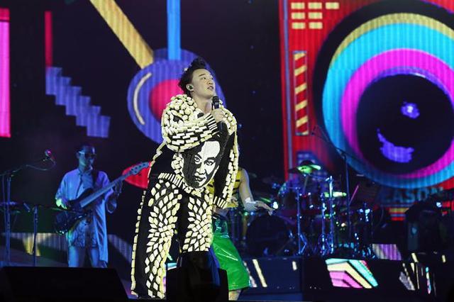 陈奕迅澳门演唱会圆满结束 与歌迷共度新年