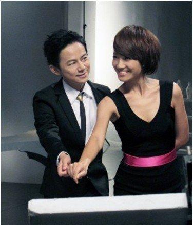 何炅将主持《中国最强音》 负责代表观众吐槽