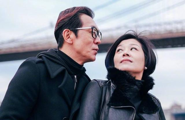 李咏48岁老婆背景不简单 还是他的老板