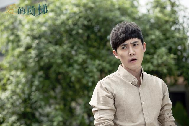 张睿:《爱的阶梯》纠结似琼瑶剧 喜欢迪丽热巴