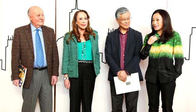 艾敬现身国博新馆 将在纽约举办个人艺术展