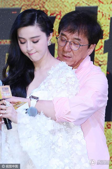 专访成龙:范冰冰结婚?我一定第一个知道