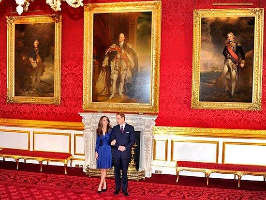 英首相卡梅伦贺威廉王子大婚 赠图册寄语新人
