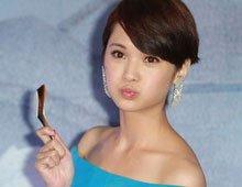 杨丞琳自嘲唱别人歌才会被夸 坚持演唱会用特技