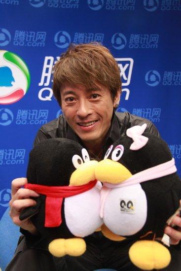 吕颂贤做客讲述话剧梦 心态年轻永远都是25岁
