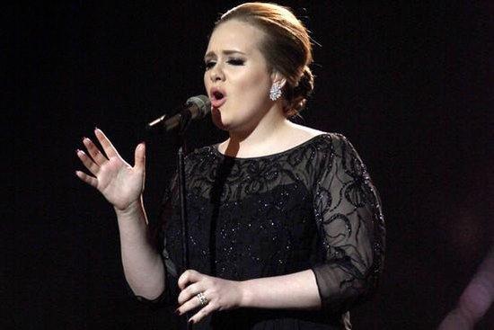 Adele因病错失与碧昂斯同台 大赞Bon Iver新作