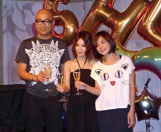 """华研音乐摘两金 田馥甄星光抢镜粉丝喊""""女神"""""""