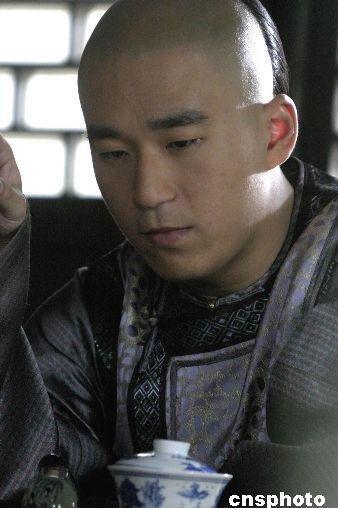 著名演员张国立之子涉嫌吸毒 被警方拘留13天