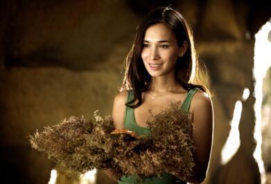 卢靖姗:50亿票房的电影女主背后的故事