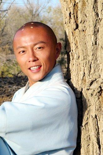 先进基层党组织(党员)风采| 昌江思源实验学校校长姜波用3年时间开设48门校本课程
