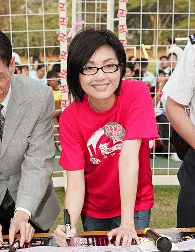 36岁杨千嬅谈幸福婚姻:调养好了就生孩子