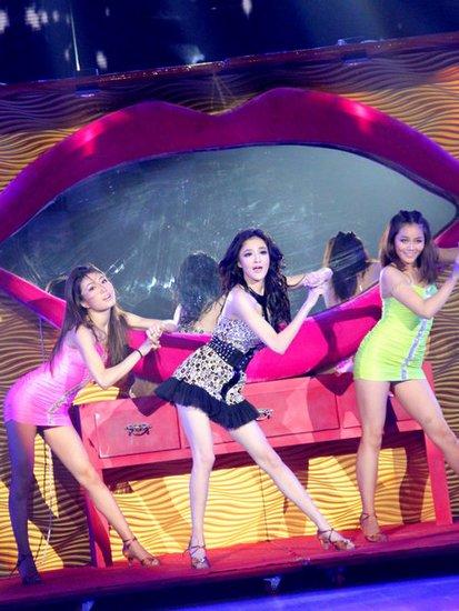 刘雨欣《舞动》化身派对女王 被赞媲美碧昂斯