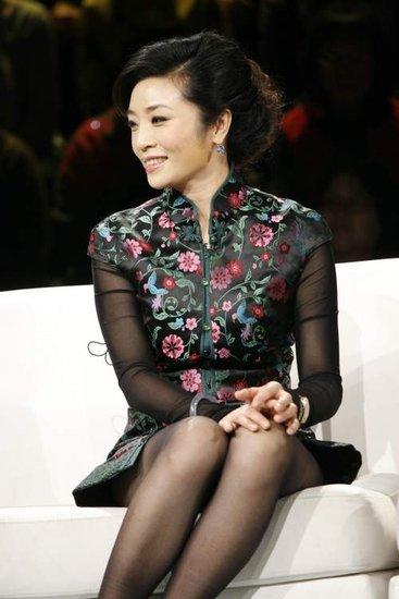 李东辰翘臀_盘点中国最成功的女企业家搜狐商学院