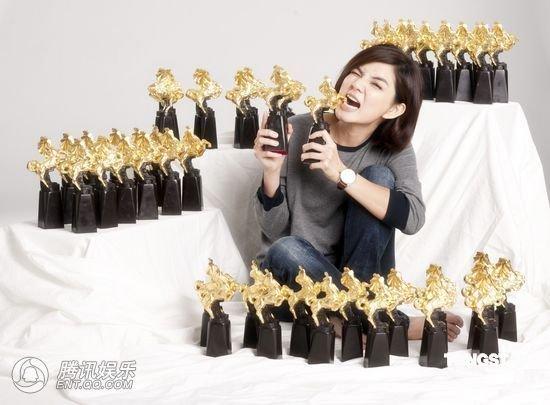 金马奖再公布颁奖名单 Ella拍摄宣传照显朝气