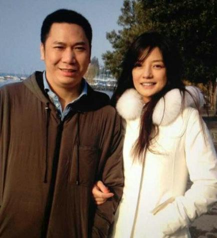 赵薇事业遇危机 老公黄有龙身份被揭