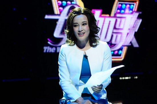 刘晓庆《女人如歌》获封八卦天后 主持难挡追问