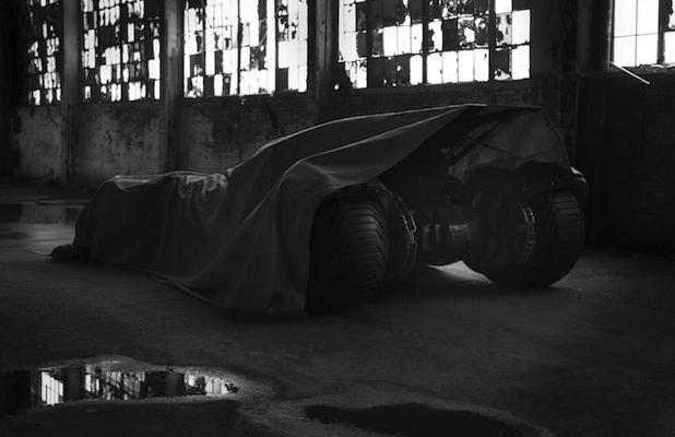 《超人大战蝙蝠侠》 扎克·斯奈德晒蝙蝠战车