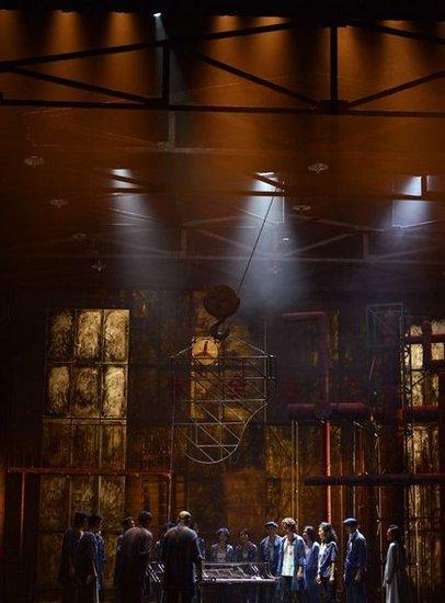 粗粝与灼痛——音乐剧《钢的琴》首演大不同