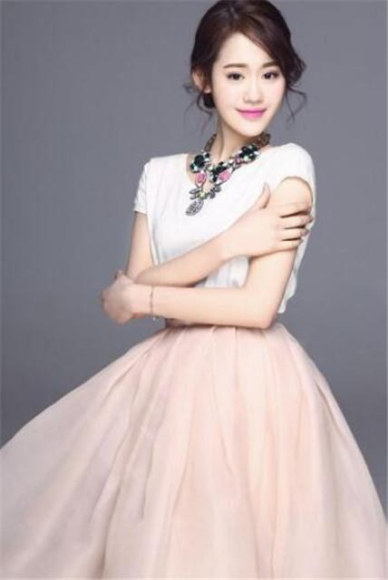 《异地恋》播出 95后小花朱俊玮首演大龄剩女