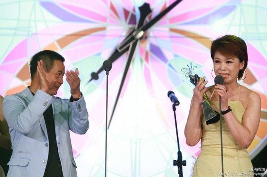 微讯:何子华凭《当爱来的时候》获最佳女配角