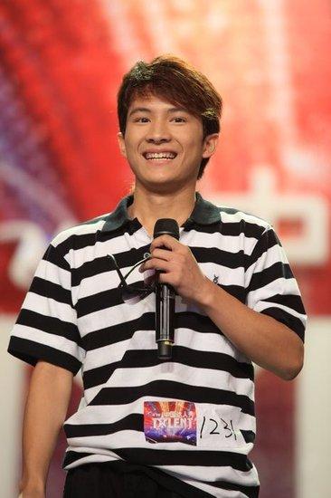 资料:《中国达人秀》第二季六强选手—卓君