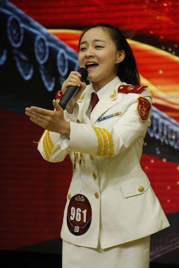 中国红歌会西安唱区唱响激情 兵声震四座成风景