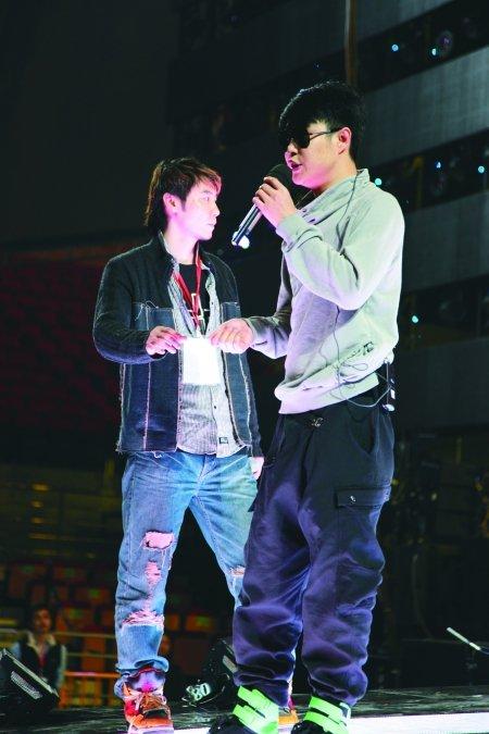 湖南卫视今晚广州办跨年 小沈阳要当嘻哈纯爷们