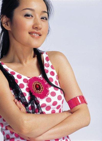 杨钰莹将凭选秀复出 演唱《花儿朵朵》主题曲