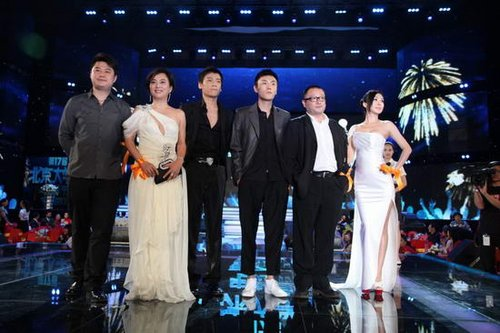 《日照重庆》主创集体亮相 大影节为戛纳预热