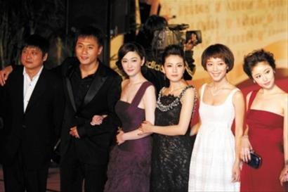 上影节开幕:红毯一铺女星话题来 赵薇风头最劲