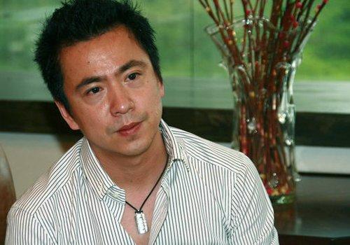 中国最帅红毯老总王中磊 现身世博园为演员助阵