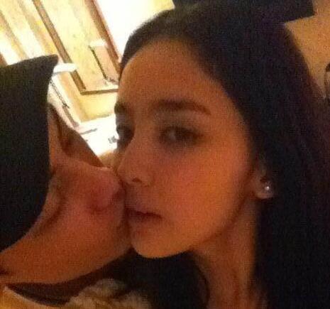 古力娜扎称亲吻照已是过去式 张翰发文力挺女友