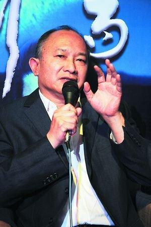 吴宇森带女儿拍电影《剑雨》 称紧张吊钢丝戏份