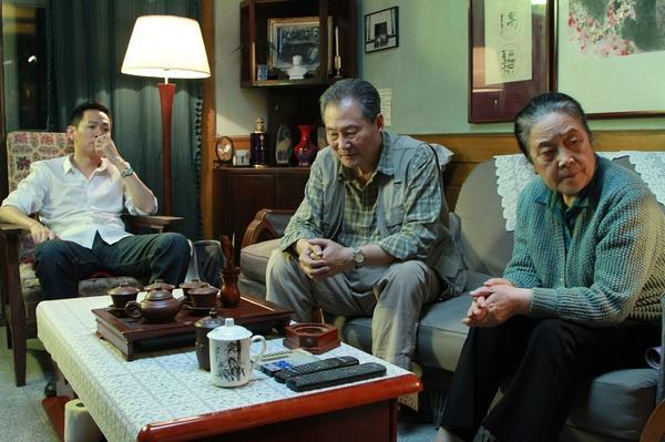 《狗13》柏林新生代单元获奖 导演:谢谢读懂
